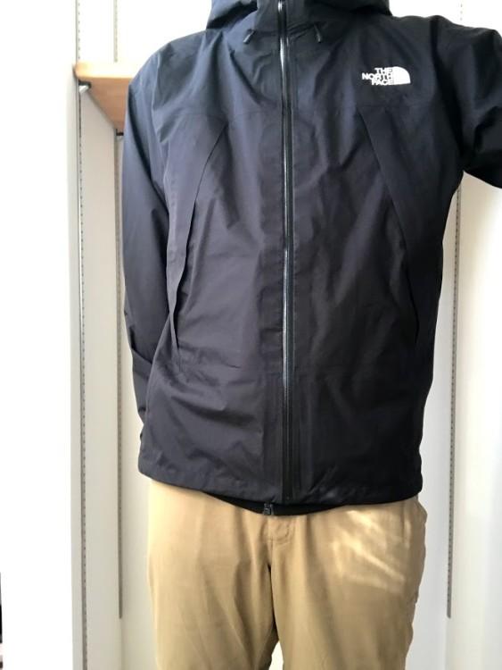 クライムライトジャケット着用1