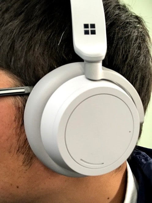 Surface Headphone装着した ところ