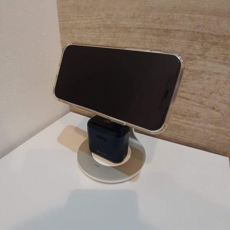 【レビュー】Anker PowerWave Magnetic 2-in-1 StandでiPhoneとワイヤレスイヤホンを同時充電