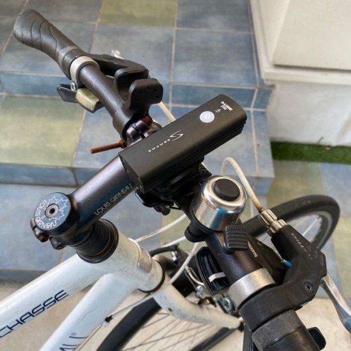 クロスバイクにちょうどいいライトSERFAS-USL200の外観