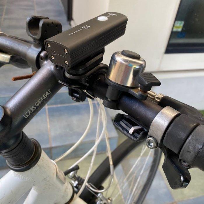 クロスバイクにちょうどいいライトSERFAS-USL200の取り付け方