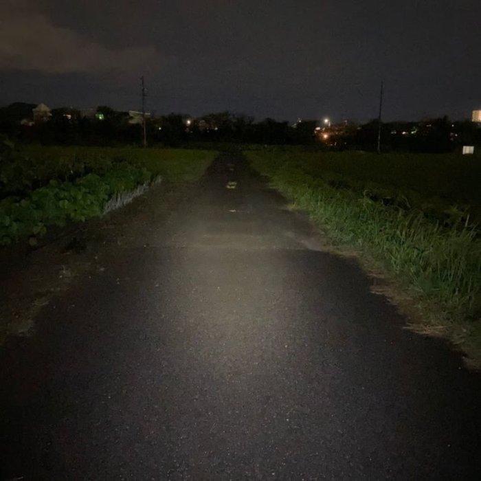 クロスバイクにちょうどいいライトSERFAS-USL200での明るさ比較