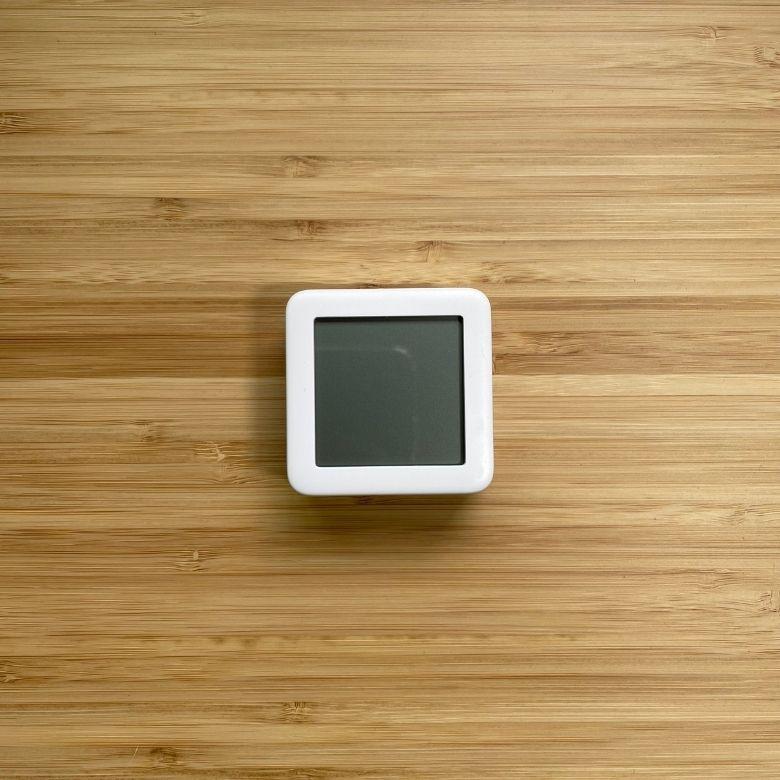 【レビュー】SwitchBot温湿度計で外出先でも温度管理して快適に暮らす